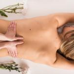 Photo massage-bien être aux huiles -anne-deschamps-naturopathe-angers-massage